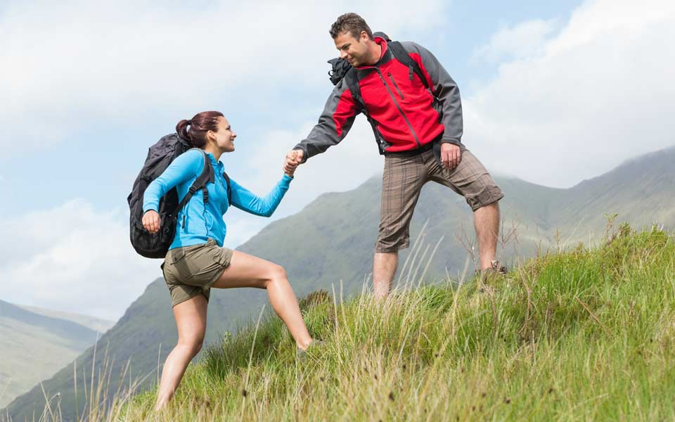 hiking_active_couple